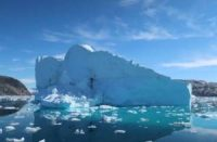 CCR Meeting climate goals would 'halve' sea level rise from melting ice, study says