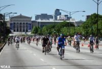 Chicago - cyclists - Bike the Drive 2